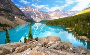 Clean beautiful view of Lake Moraine in Canada