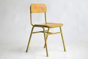 学校の椅子をアップサイクル