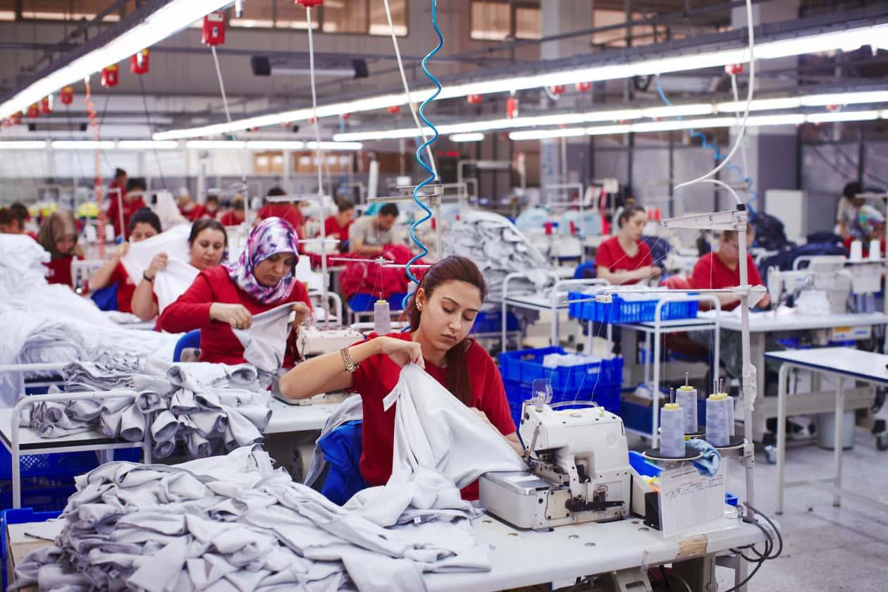 過酷な労働環境