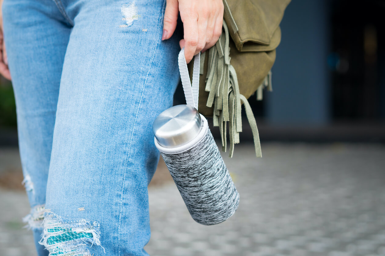 Plastic Free Living: for everyday carry a water bottle