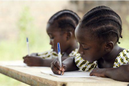 教育格差を訴える国際女性デー