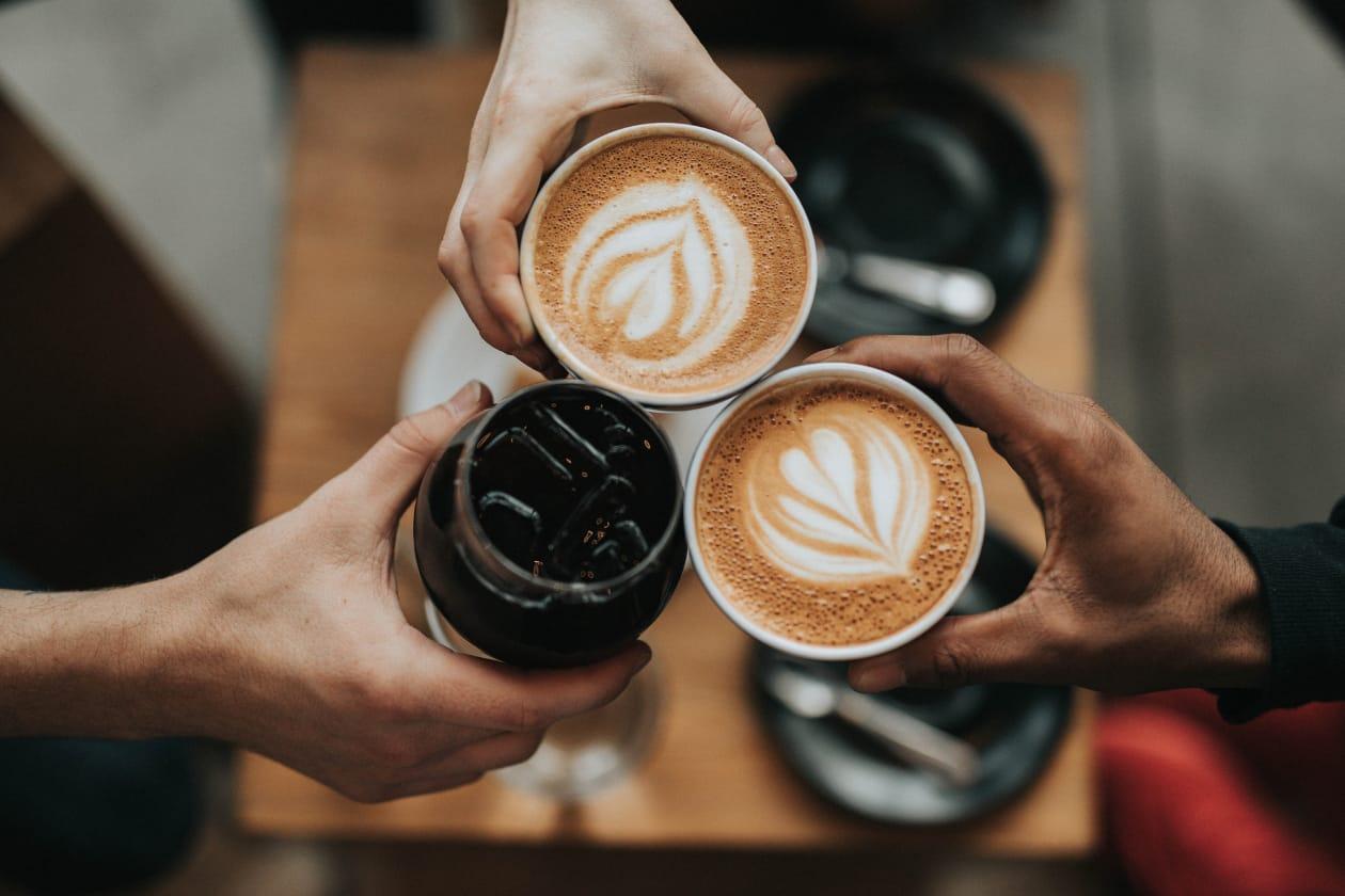 カフェで使い捨て製品を使わない