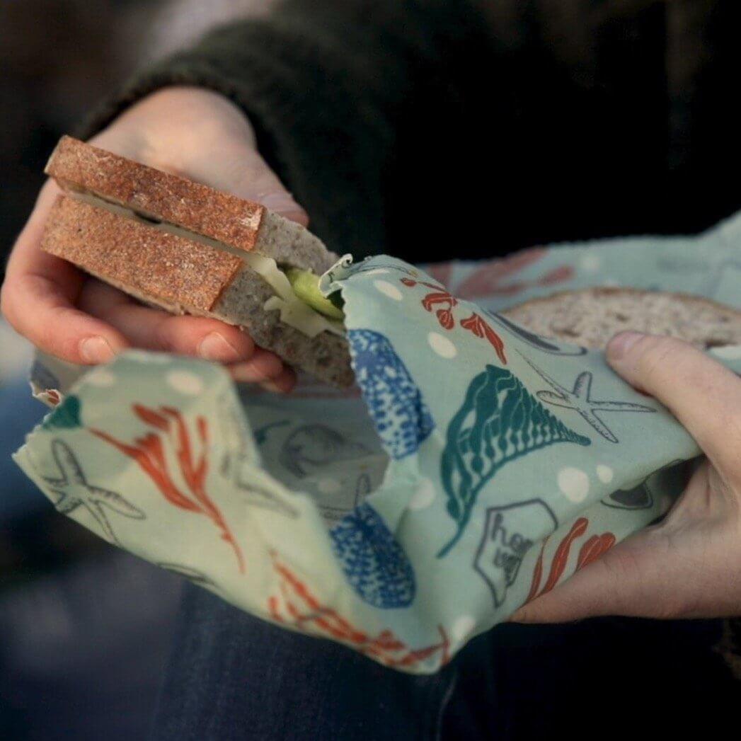 Honeywrapのミツロウラップにsandwichがある