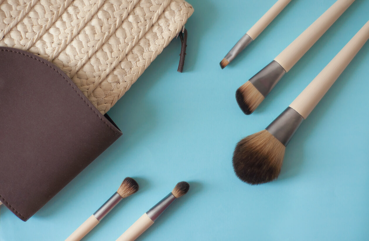 Zero Waste beauty products: bamboo makeup brushes