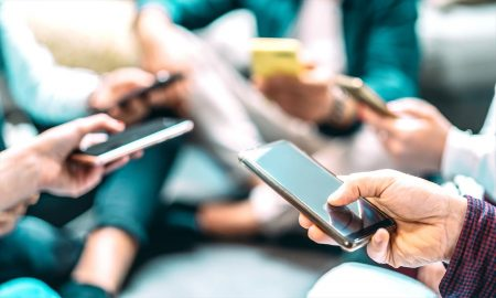 デジタルディバイドとは?情報格差が起こる原因と解消するための対策
