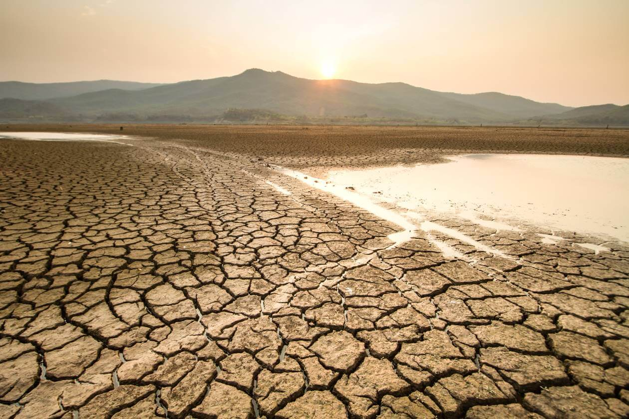 heat waves droughts dry weather