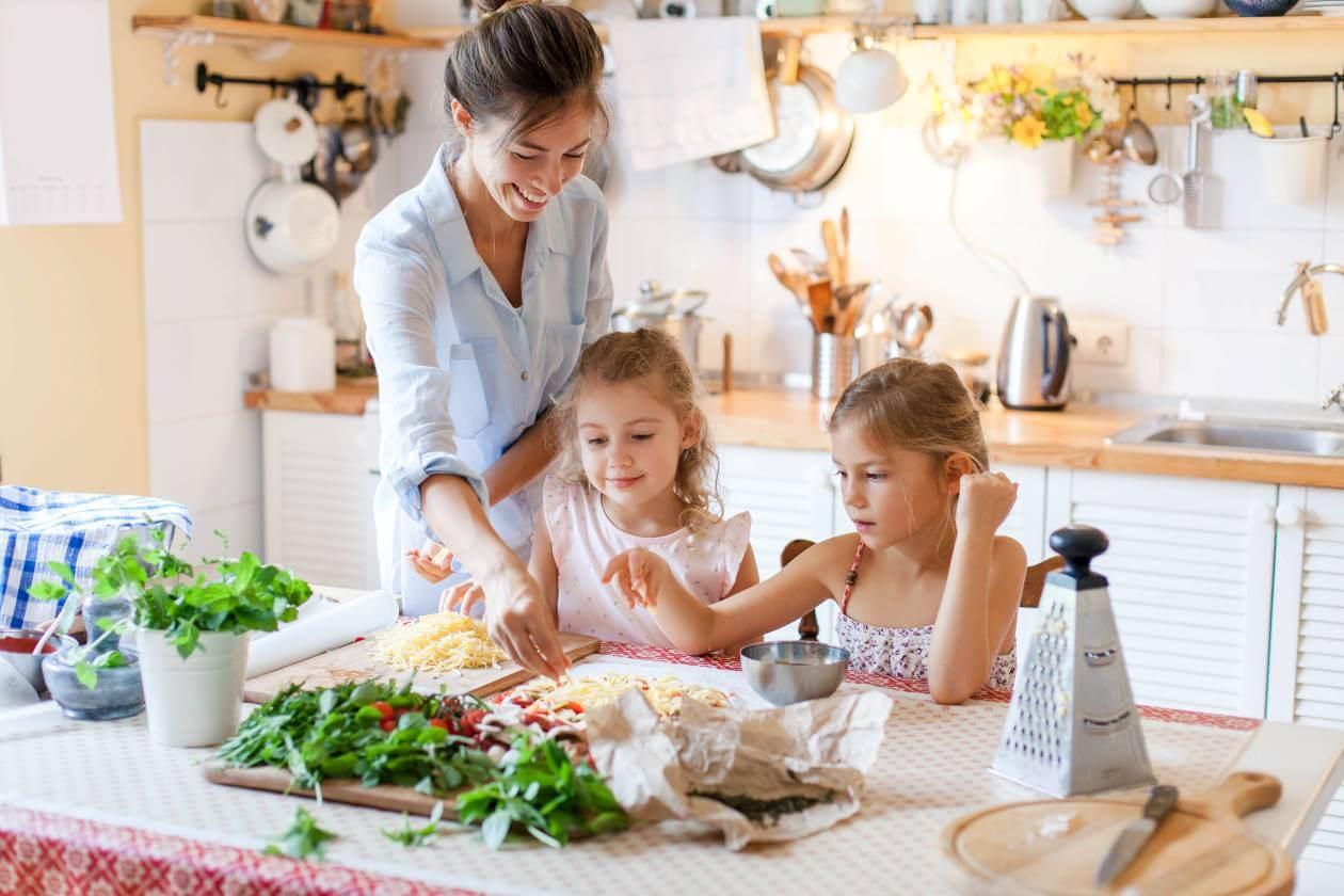 living sustainability plastic-free kitchen family