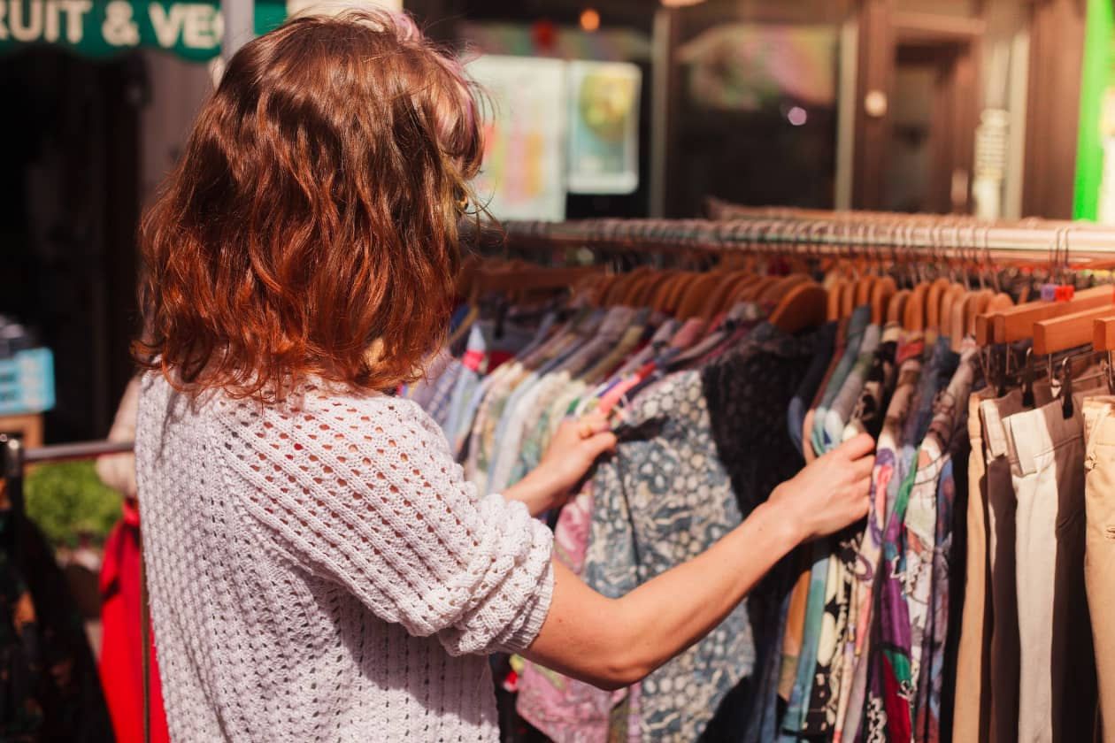 古着を買うこともサスティナブルにファッションを楽しむ方法の1つ